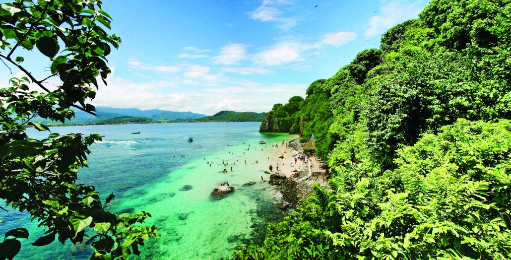 Isla del Coral, playa. mar, vegetación